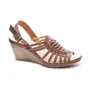 NEW CL By Chinese Laundry Heist Wedge Sandal Sz 8